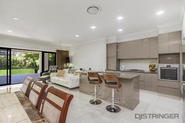 2/35 Binya Avenue, QLD 4225