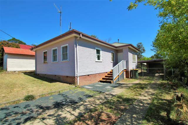 4 Mullan Place, NSW 2630