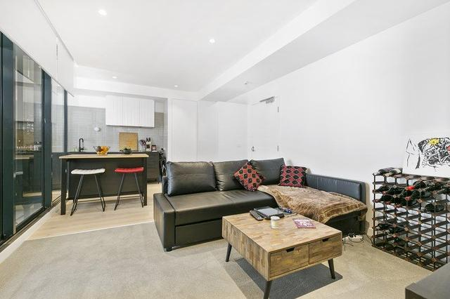 Unit 204/29 Bank St, QLD 4101