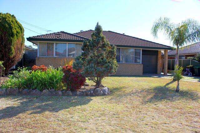 16 Curtis Crescent, NSW 2170