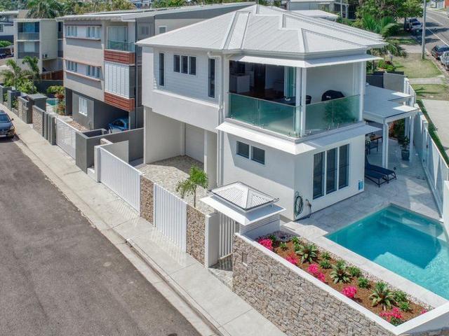 2 Leo Crescent, QLD 4572
