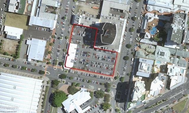 2-18 Hartley/grafton/lake Streets, QLD 4870