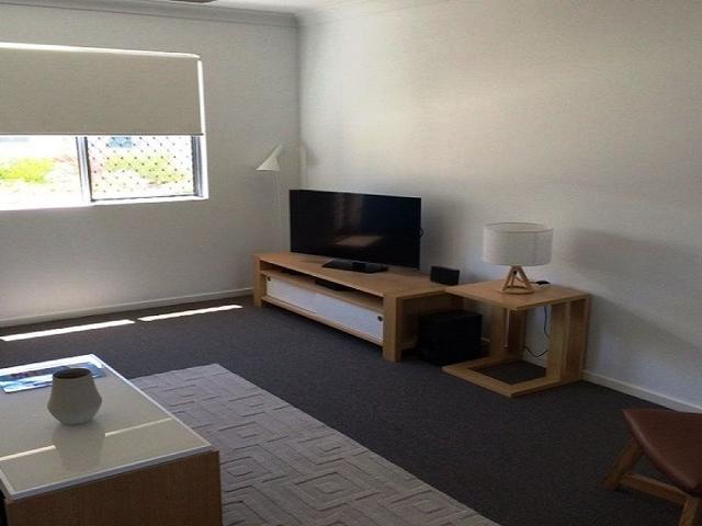 2/6 Brisbane, QLD 4805