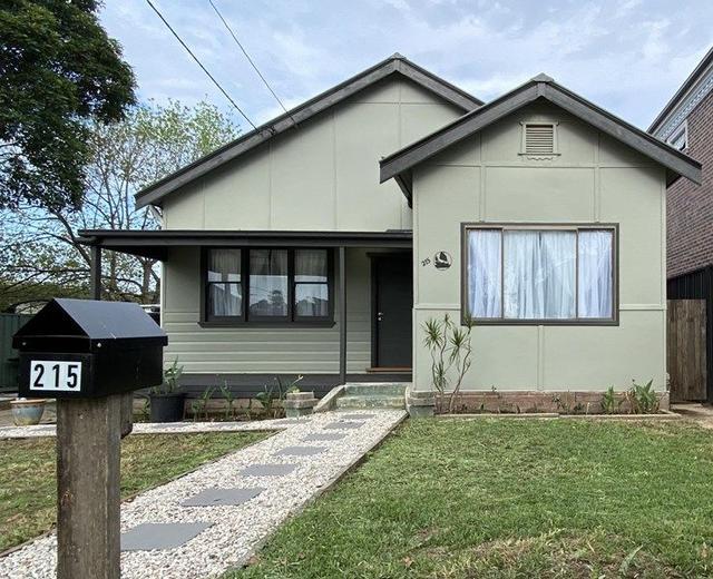 215 Noble Avenue, NSW 2190