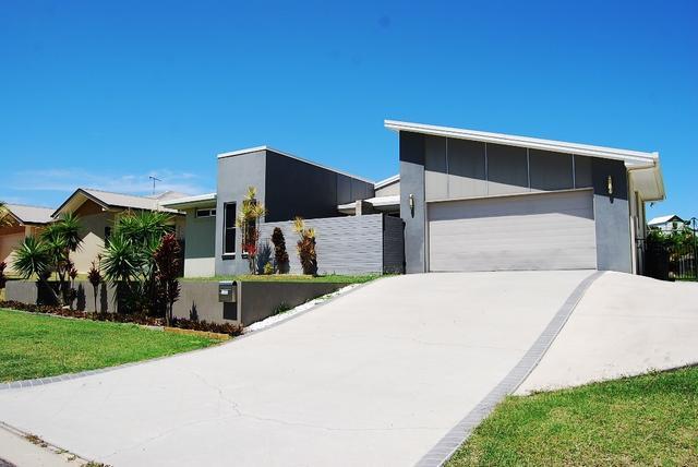100 Penda Ave, QLD 4680