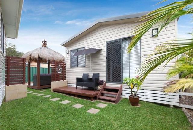 11a Salamaua Crescent, NSW 2173