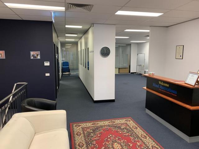 i84 - 21 Hall St, VIC 3207