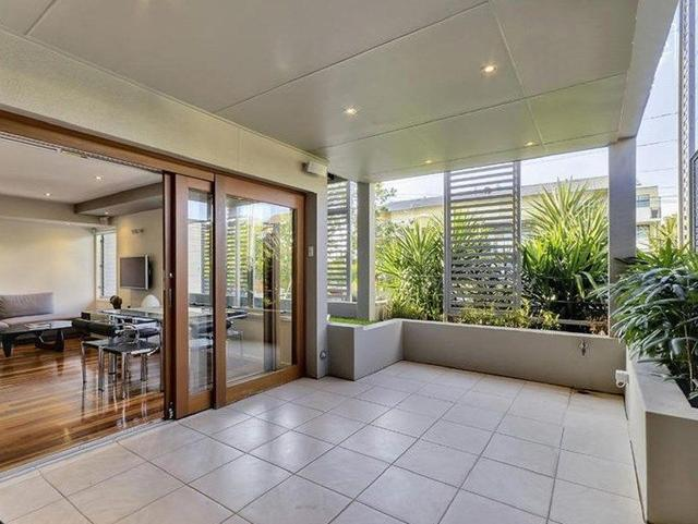 Townhouse 1, 15 Halford Street, QLD 4006