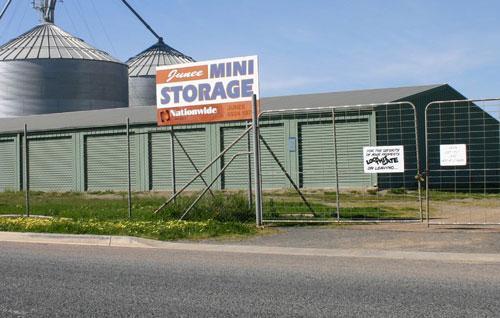 98 Queen Street, NSW 2663