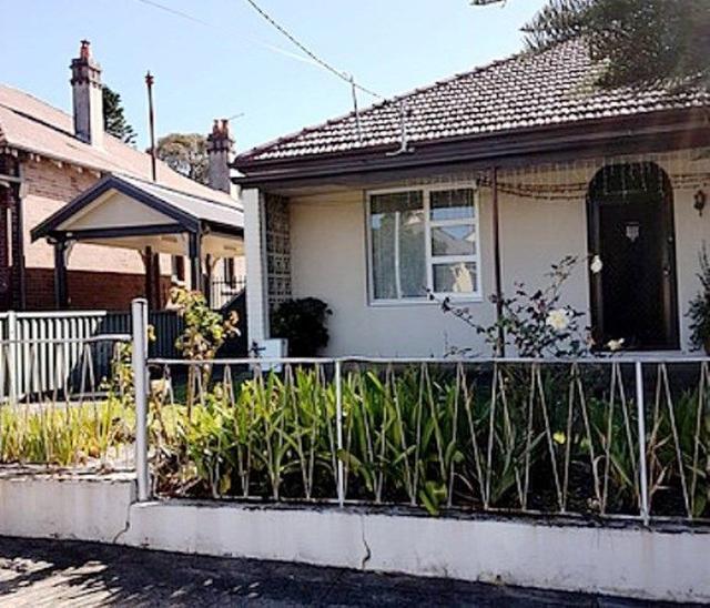 2/107 Holborow Street, NSW 2133