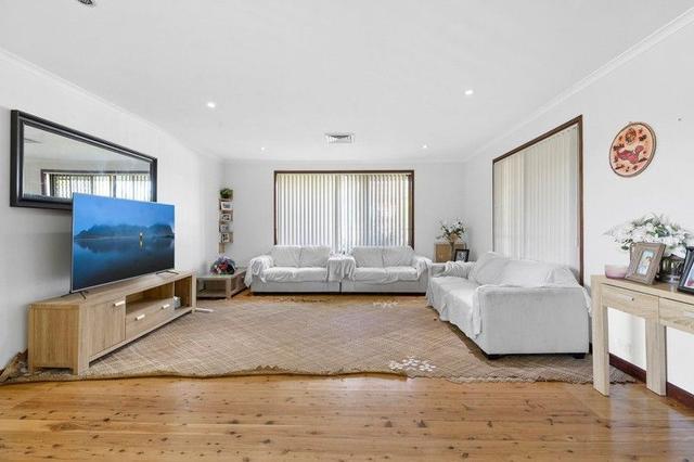 17 Orana Place, NSW 2190