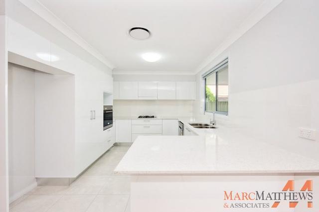 2/9 Warrigal St, NSW 2256