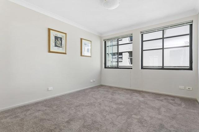 8/17 Waruda  Street, NSW 2061