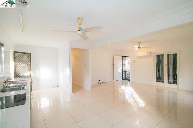 11 Poulton Street, QLD 4122