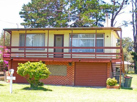 4 West Street, NSW 2540