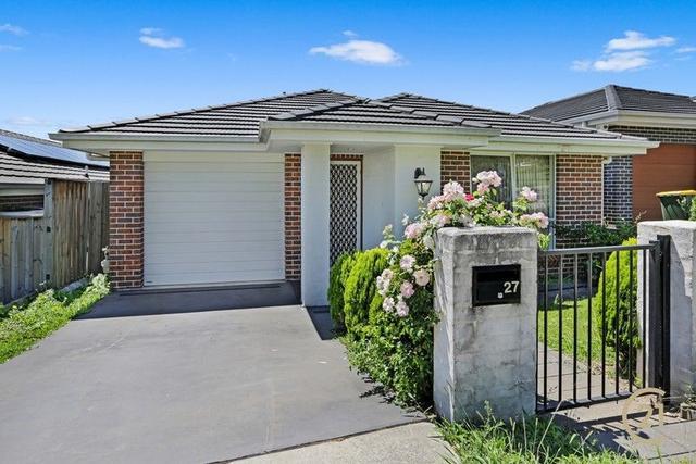 27 Woodroffe St, NSW 2566