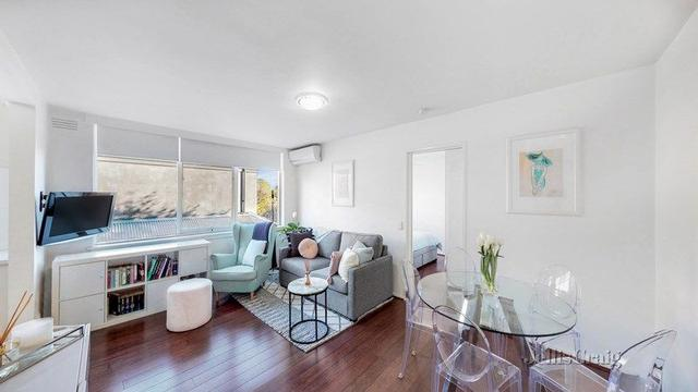 6/4 Normanby Street, VIC 3181