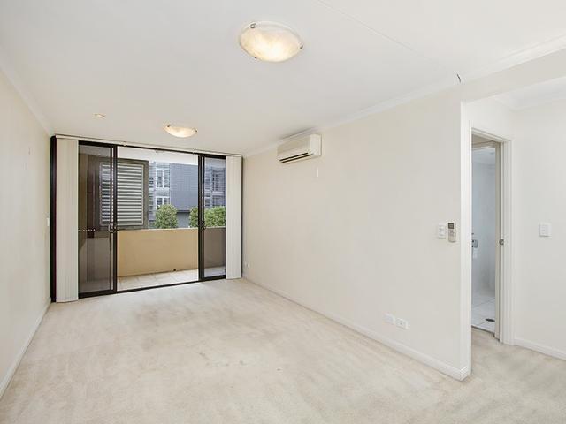 1/14 Macquarie Street, QLD 4005