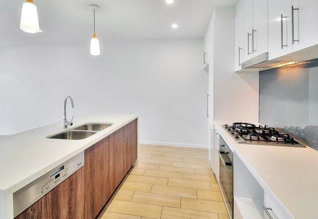 206/10 Norton Street, QLD 4122