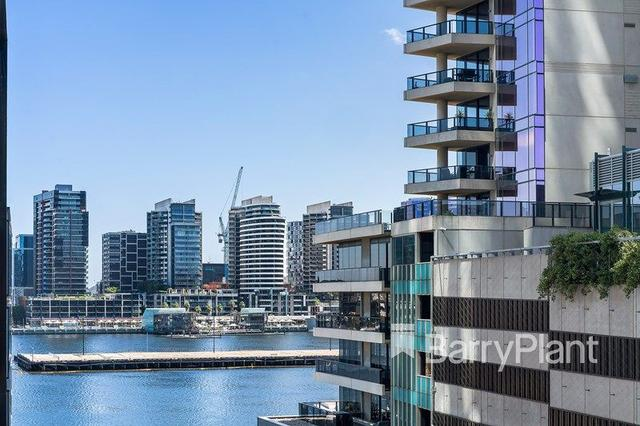 5h/8 Waterside Place, VIC 3008