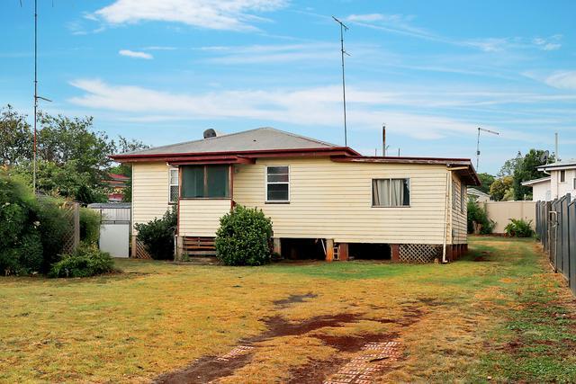 172 Ruthven Street, QLD 4350