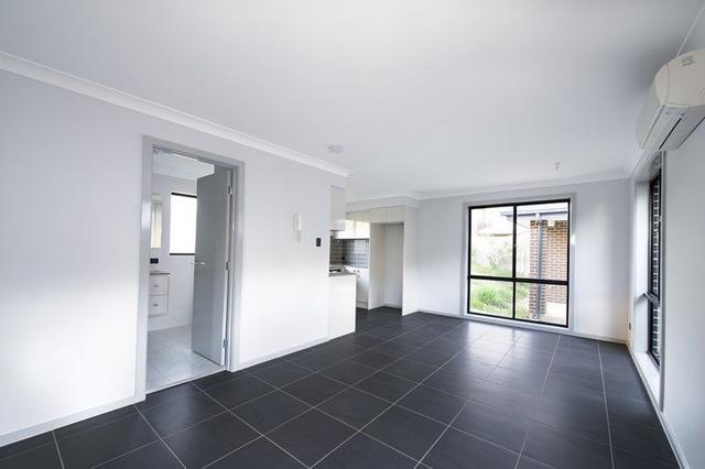 8A Sandra St, NSW 2765