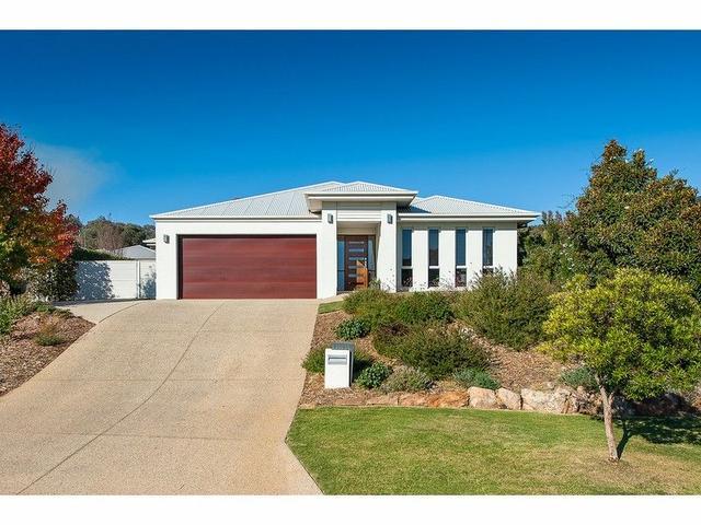9 Cremin Court, NSW 2640