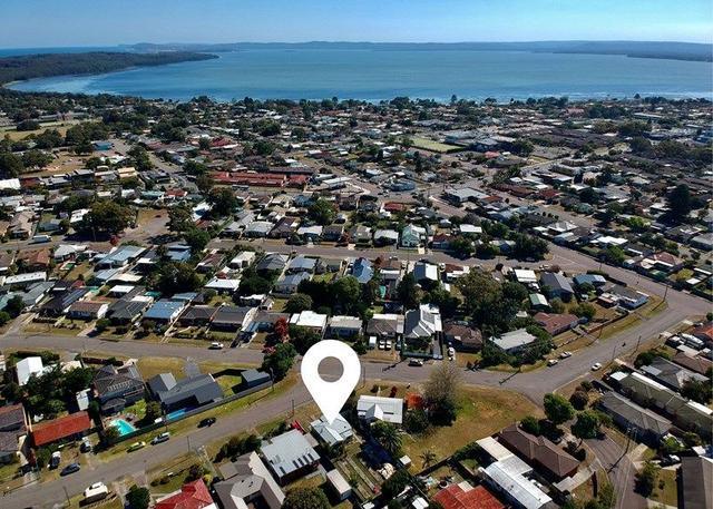2 Barnard  Crescent, NSW 2263