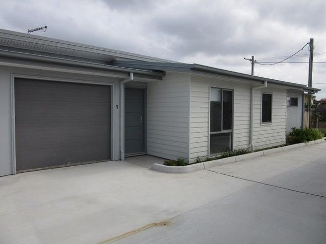 1-3/23 Moore Street, QLD 4165