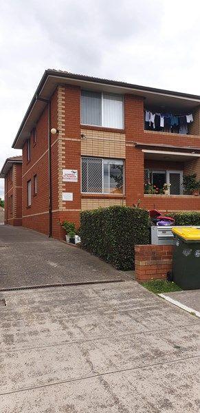 2/87 Dudley Street, NSW 2196