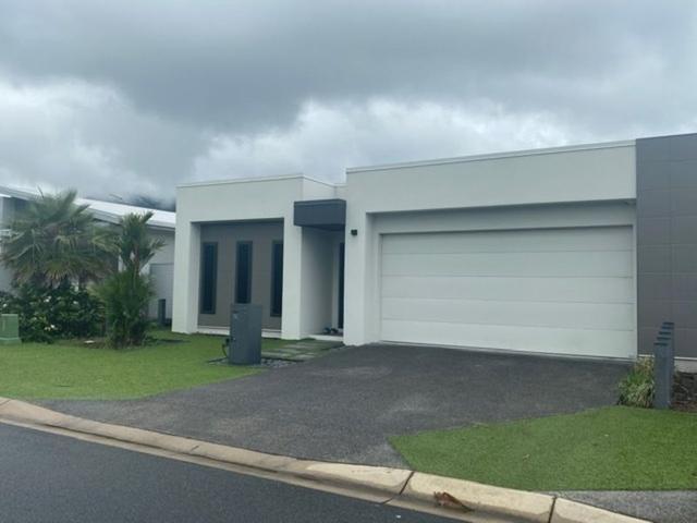 74 Edge Court, QLD 4870