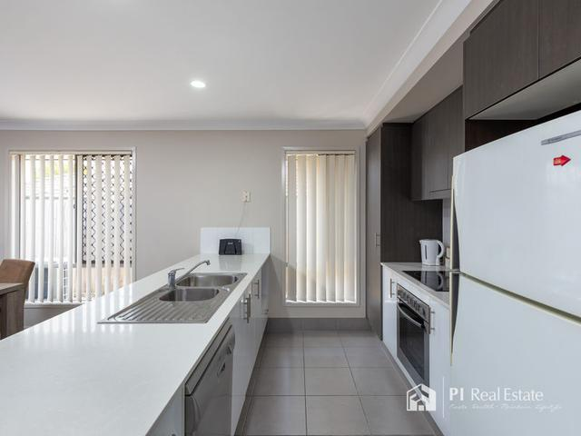 8 Denham Crescent, QLD 4509