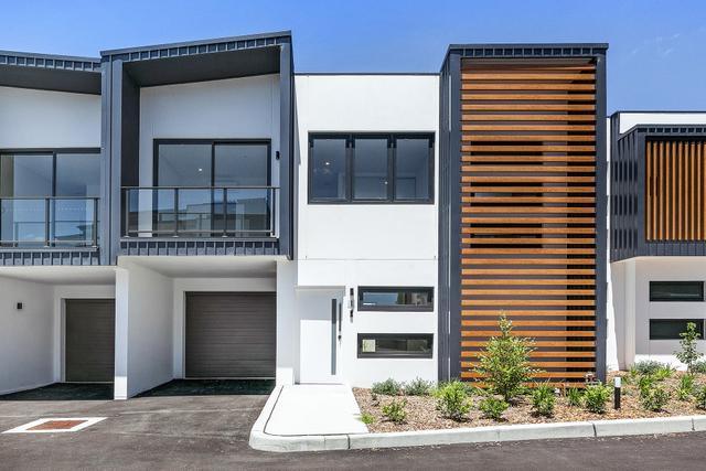8/24 Hillcrest Avenue, NSW 2190