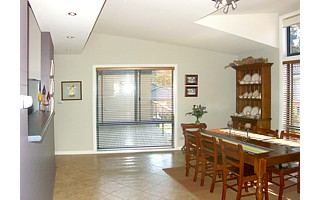 Dining from entry