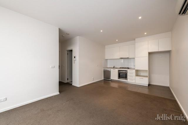 2/5 Barries Place, VIC 3068