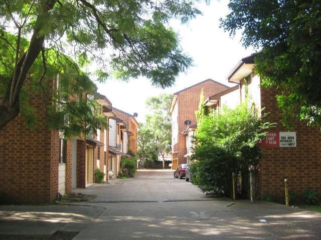 4/103-111 Longfield Street, NSW 2166