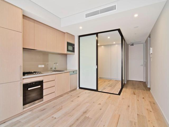 4/4-5 Gurrigal Street, NSW 2088
