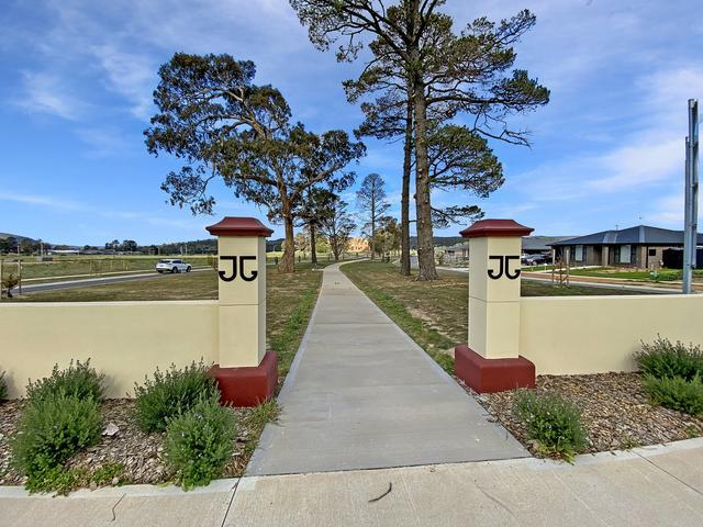 43 Madeleine Drive, NSW 2580