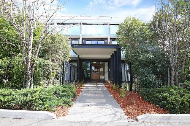 32/589 Glenferrie Road, VIC 3122
