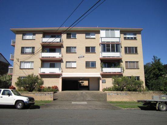 3/8 Regina Street, QLD 4120
