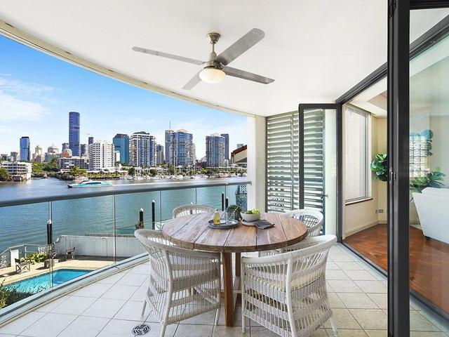 2/15 Griffith Street, QLD 4005