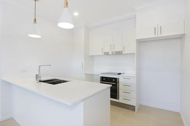 302/9 Folkestone Street, QLD 4006