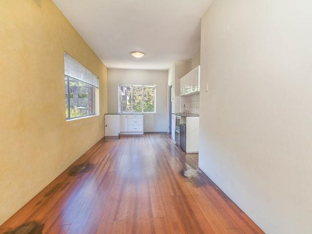 1/11 Hampden Road, NSW 2060