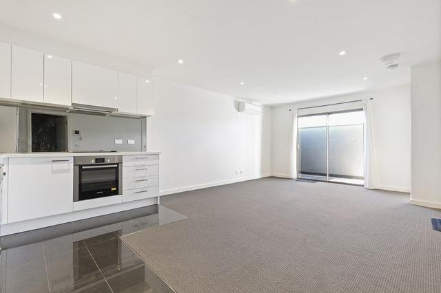 102/11 Claire Street, VIC 3204