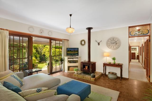 12 Azalea Street, NSW 2575