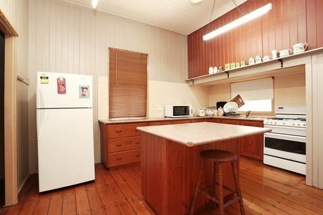 14 Barrett St, QLD 4305