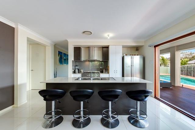 6 Longcove Place, QLD 4573