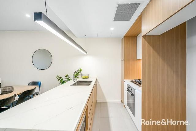 206/98 Caddies Boulevard, NSW 2155