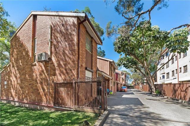 2/68 Hughes Street, NSW 2166
