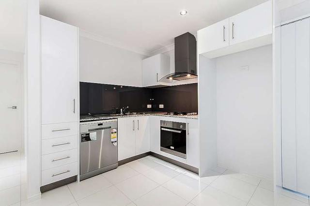 2/7 Applewood Court, QLD 4503